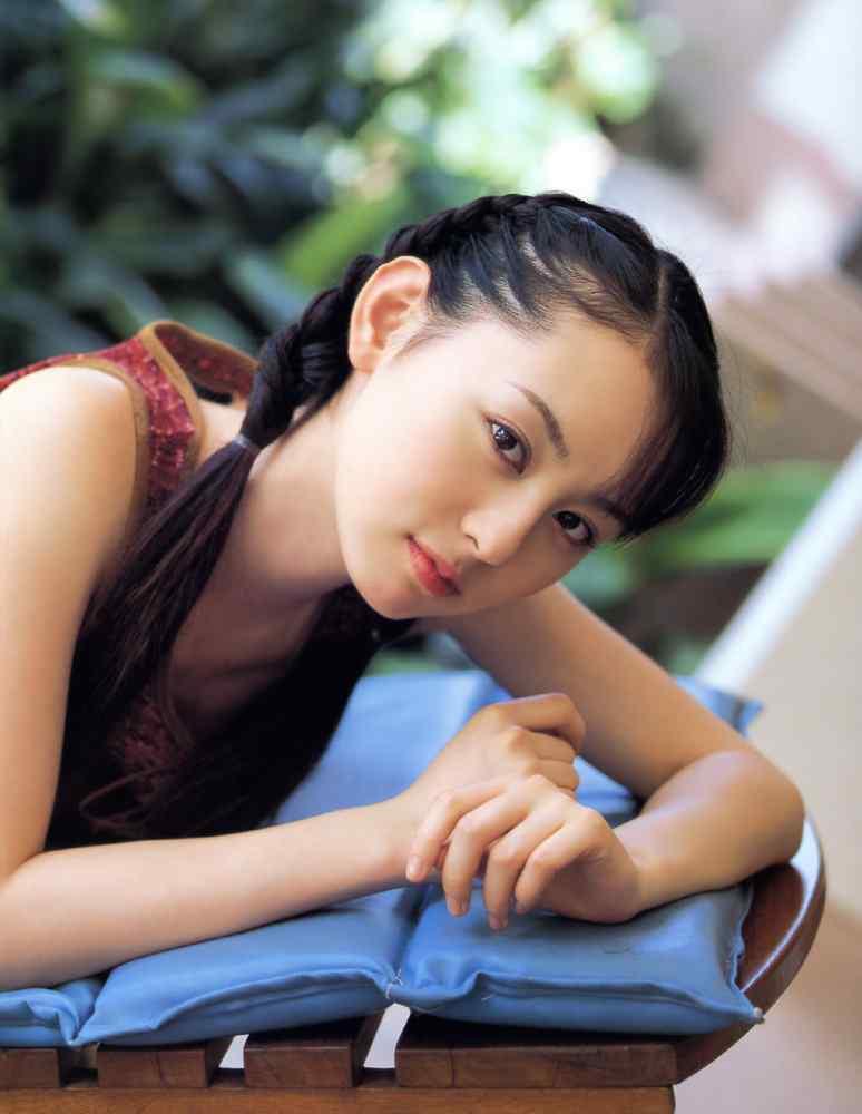 6rina_akiyama_002