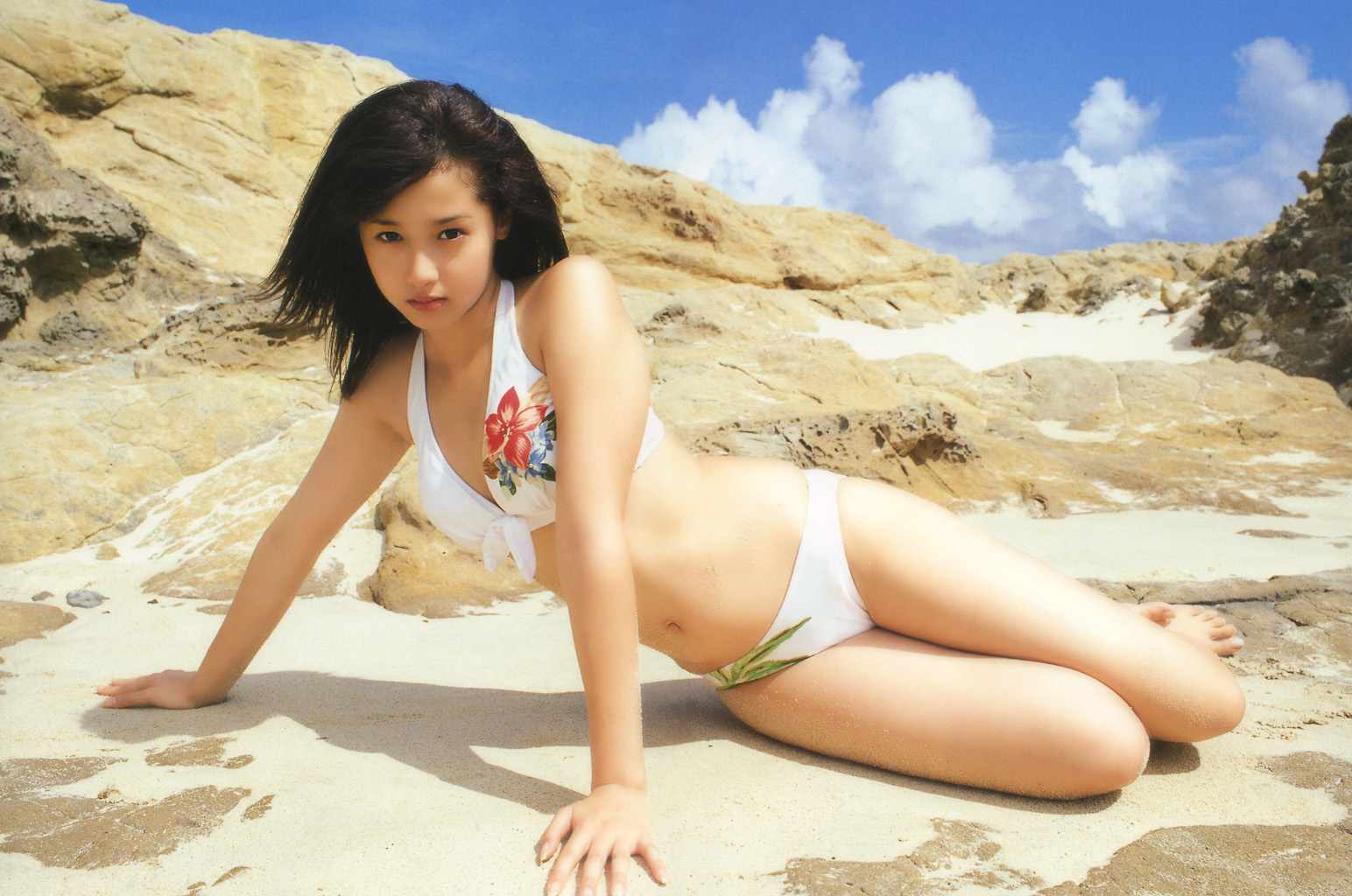 6erika_sawajiri_014015