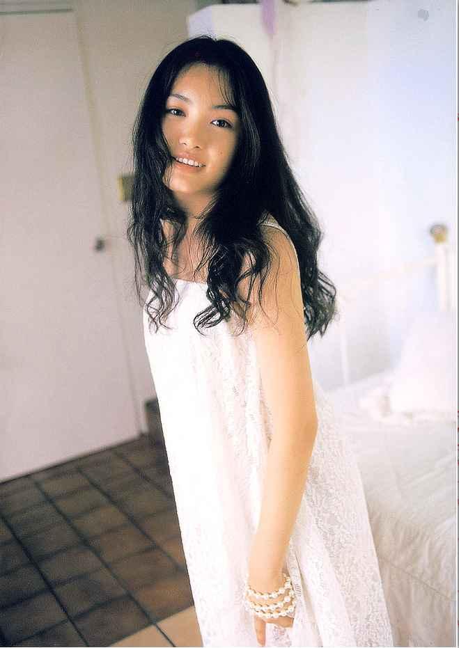 4es_yuna005